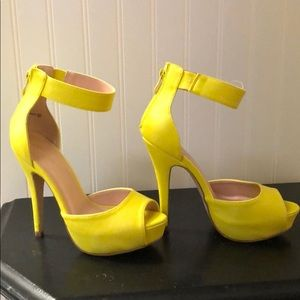 "Dream Paris platform open toe 5"" heels!!!"